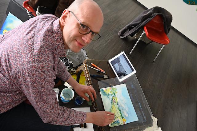 Live-maalaus Jyväskylässä Harrin taide ja antiikki galleriassa 8.5.2021. Kiva oli kohdata yleisöä. Kuva. Antti Laitinen